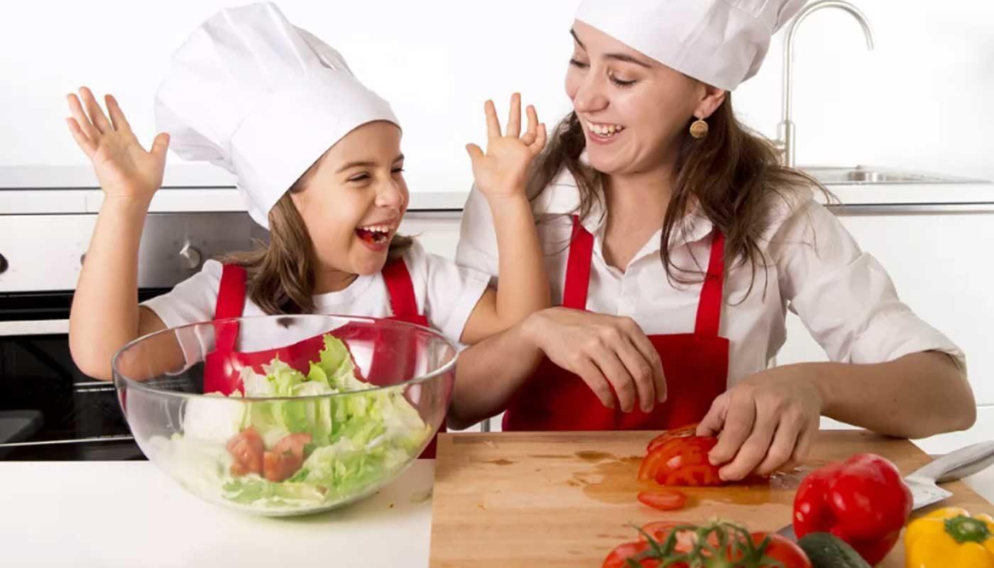 Летние салаты и супы: важные моменты при приготовлении рецептов летних блюд