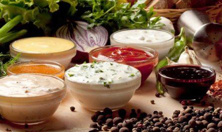 Заправки и соусы: рецепты приготовления из доступных продуктов и специй